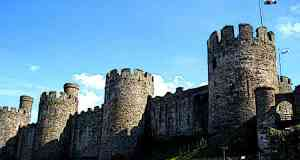 Best-Castles-in-Europe-Conwy-Castle-Walls-Conwy