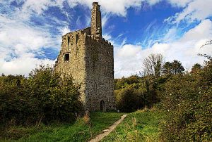 Dromore Castle is located in County Clare.